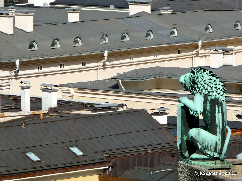 Salzburg: Lion overhead