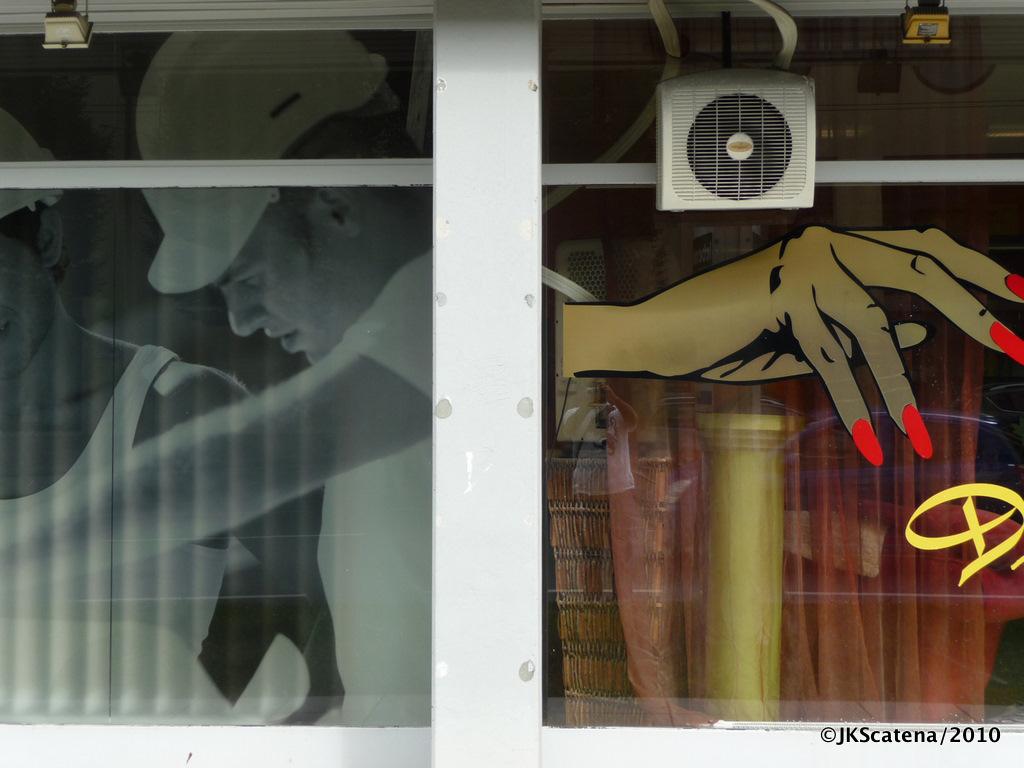 Opposing Hands, Salzburg