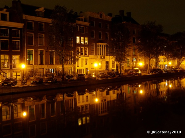Amsterdam: Canal night shot