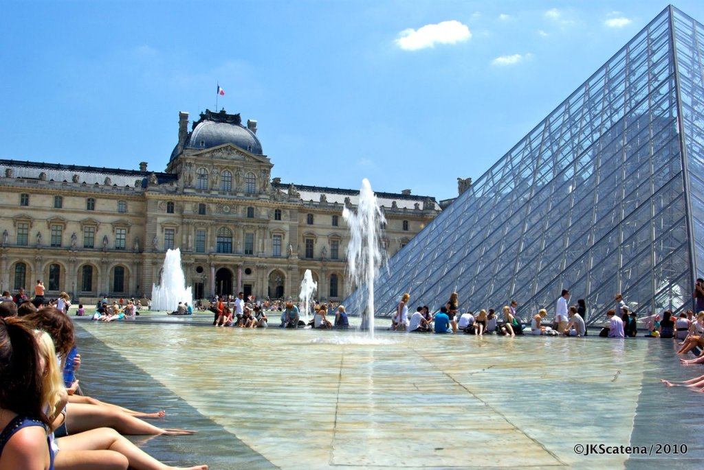 Paris: Louvre's Fountains