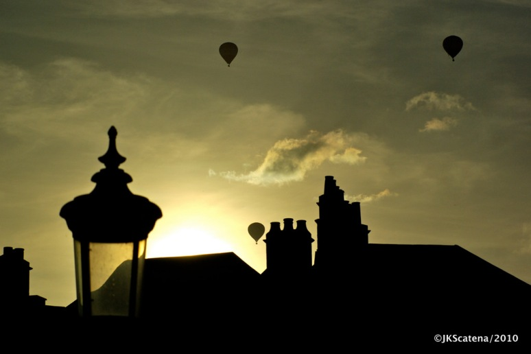 Bath: Sunset & Balloons
