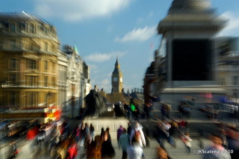 London: Trafalgar Sq & Big Ben, Zooming