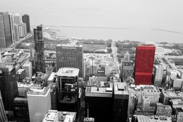Chicago: CNA Center, Vermelho