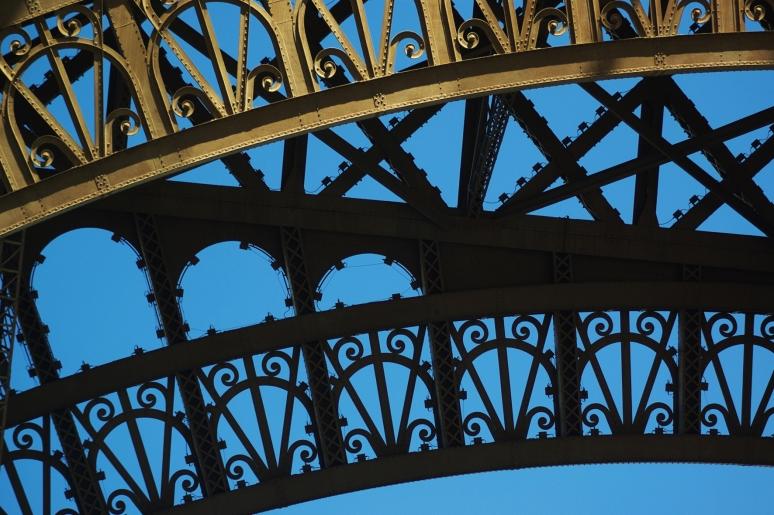 Paris: Eifel's Framework