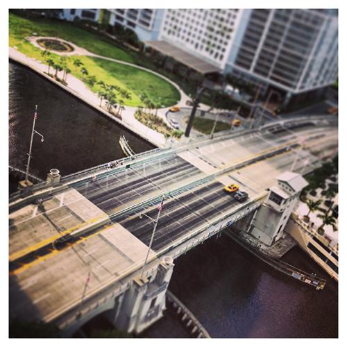 Miami: Bridge (Instantaneo)